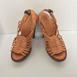 Frye Joy Huarache Heels Size 8B In Brown
